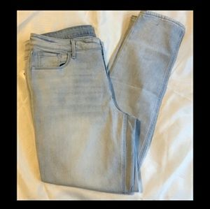 Old Navy Plus Size 16 light wash skinny jeans